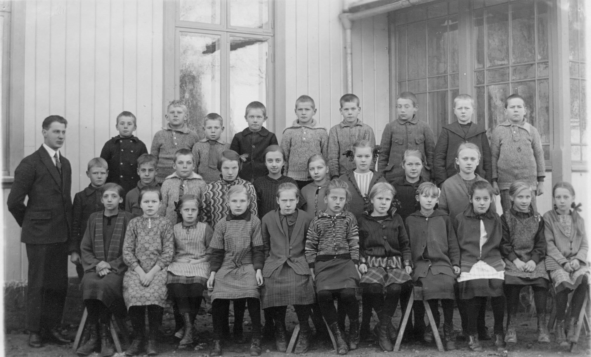 Säms skola 1926-1927, klass 3-6..., födda 1914-1917, bild