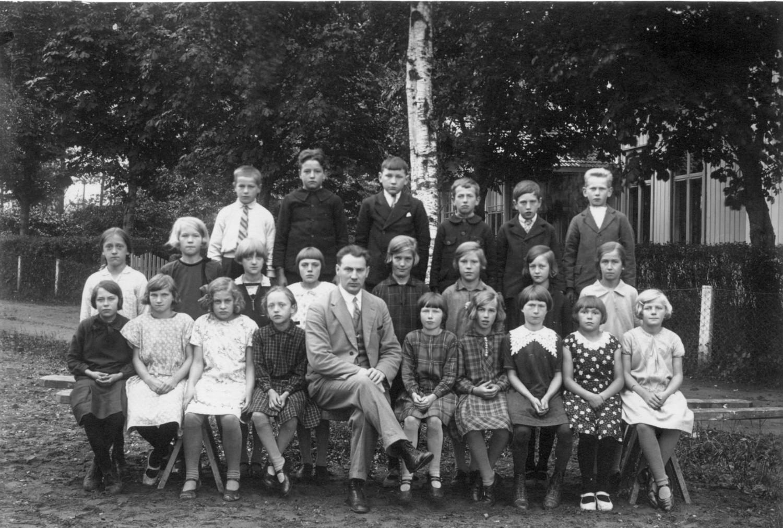 Säms skola 1928-1929, klass 3-4..., födda 1919-1920, bild