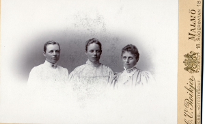 Ada och hennes äldre systrar