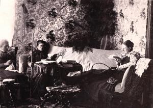 Ada och hennes systrar, Anna och...,Bystad