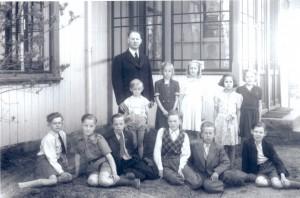Säms skola 1946-1947, klass 3-4, födda 1936-1937, bild