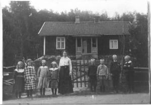 Säms småskola 1915-1916, klass 1-2..., födda 1907-1908, bild
