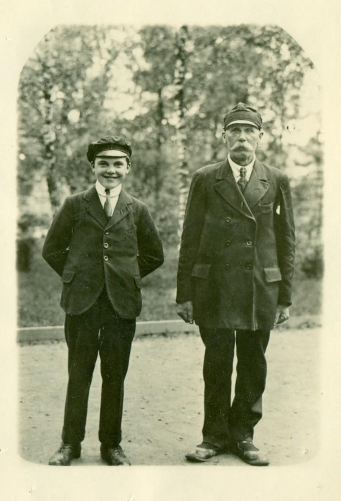 Två Okända personer, 1 yngre, 1 äldre