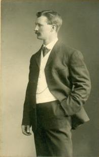 Ludvig Johnson, 1879-1929, framsida, kompr., redig.